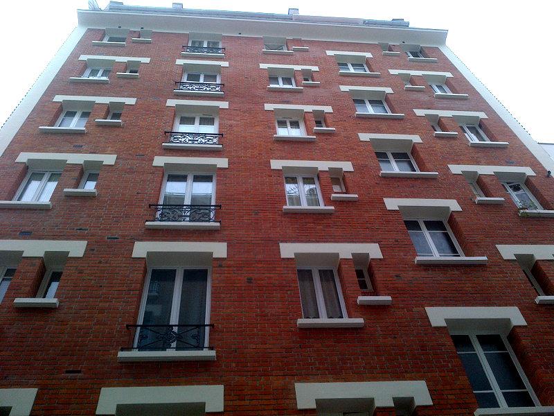 facade-immeuble-brique